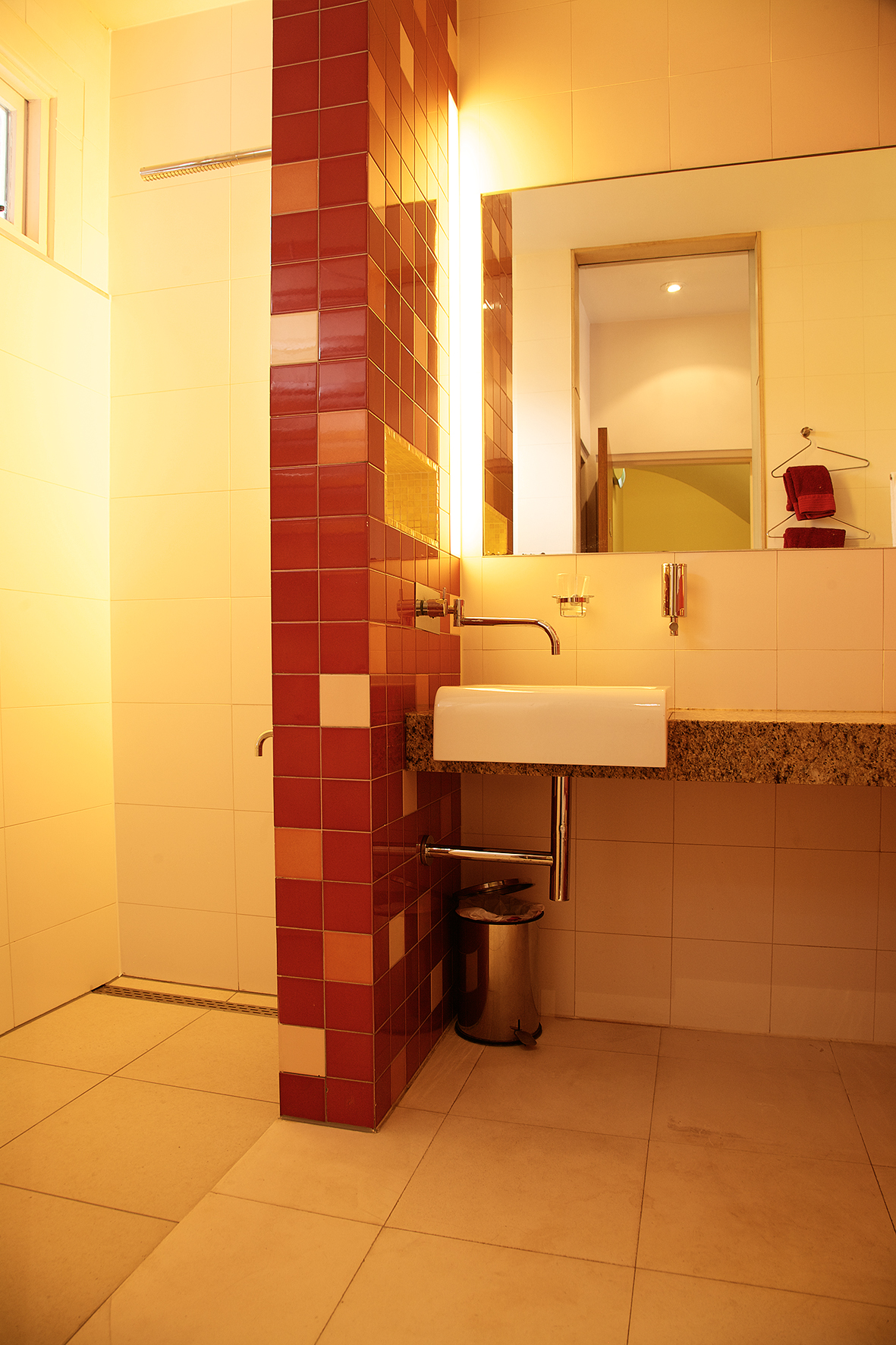 Mandarin bathroom